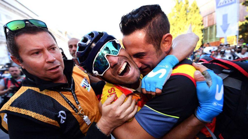 Alejandro Valverde celebra su arcoíris en Innsbruck