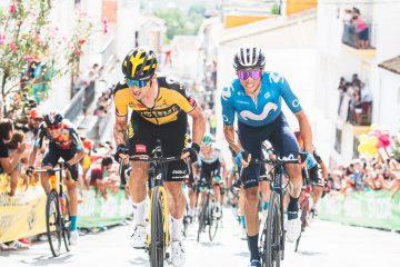 Primoz Roglič y Enric Mas pelean la etapa en Valdepeñas de Jaén